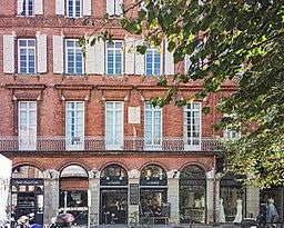 Rue Peyrolières - no 54 - maison natale de Louis Deffès