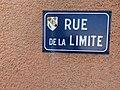Rue de la limite (Saint-Maurice-de-Beynost) avril 2019 - plaque de rue.jpg