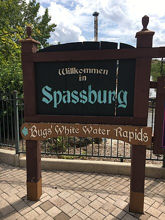 Six Flags Fiesta Texas - A welcome sign to Spassbugh