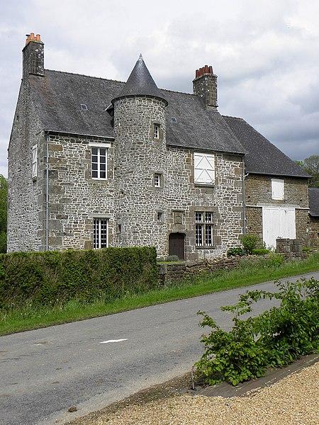 Manoir de La Cour à Saint-Aubin-Fosse-Louvain (53).