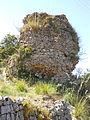 Santuario di Monte Sant'Angelo. Le Mura - Seconda Torre (ben visibili i resti del nucelo cementizio).JPG