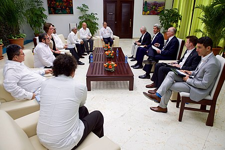 Secretary Kerry Meets With FARC Leaders in Havana, Cuba (25946492226).jpg