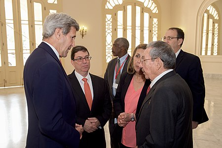 Secretary Kerry Speaks With Cuban President Castro and Foreign Minister Rodriguez Before President Obama's Speech to the Cuban People in Havana (25962732606).jpg