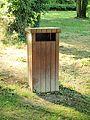 Sens-FR-89-Parc du Moulin à tan-poubelle-02.jpg