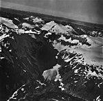 Shelt Peak, valley glacier and hanging glaciers and firn line, September 12, 1973 (GLACIERS 5876).jpg