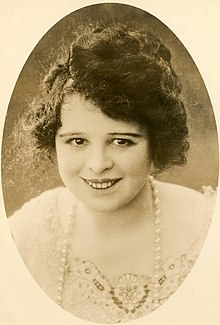 Silent film actress Dot Farley (SAYRE 143).jpg