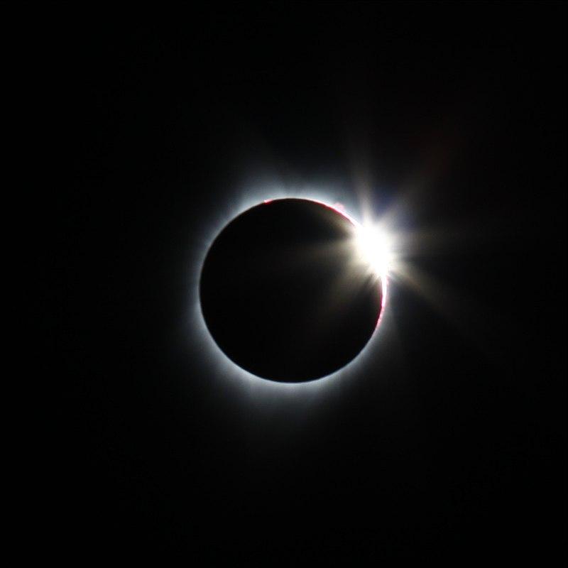 SolarEclipseDiamondRing.jpg