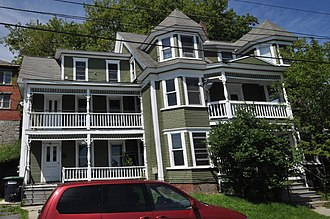 National Register of Historic Places listings in Caledonia County, Vermont - Image: St Johnsbury VT 447Pearl Street