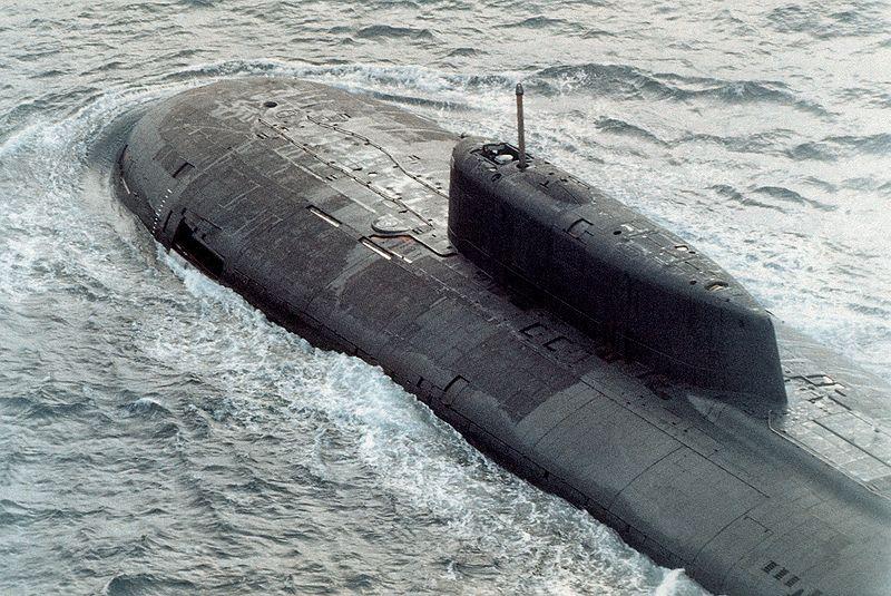 800px-Submarine_Oscar_class.jpg