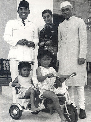 Megawati Sukarnoputri - President Sukarno, with his children Megawati and Guntur, while receiving Indian Prime Minister Jawaharlal Nehru along with his daughter Indira Gandhi.