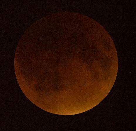 Supermoon Lunar Eclipse (NHQ201509270105).jpg