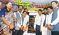 Suresh Prabhakar Prabhu launching and inaugurating the Wi–Fi facility, 2 new 12 coach platforms for Harbour, 2 lifts at Andheri Station, 12 car EMU service (1).jpg