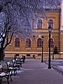 Szentes 2012-12-22, Kossuth tér, Padok. - panoramio.jpg