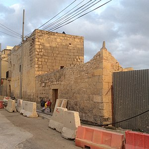 Ta' Xindi Farmhouse - Road works taking place to decorate the area of the building