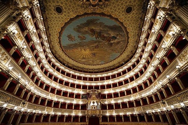 Le somptueux théâtre (Opera) San Carlo à Naples.