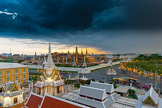 Temple of the Emerald of buddha or Wat Phra Kaew.jpg