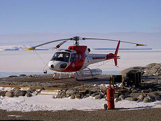 Zucchelli Station - A helicopter at Mario Zucchelli Station
