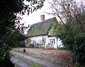 Thatched cottage east of St Mary's church - geograph.org.uk - 1593691.jpg