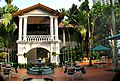 The Grand Old Lady of Singapore, Raffles Hotel (434016187).jpg
