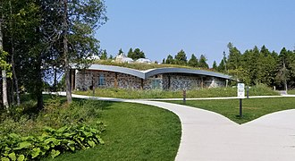 The Headlands - Visitor center with green roof