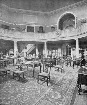 Octagon Chapel, Bath - A photograph of the Mallett Showrooms at the Octagon Chapel, circa 1900.