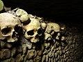 The Paris catacombs (9132136550).jpg