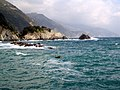 The ocean at Monterosso al Mare (755817843).jpg