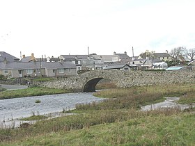 The tidal Afon Ffraw below the Old Bridge - geograph.org.uk - 1053353.jpg