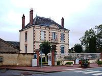 Thou.Loiret-mairie-01.JPG