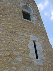 Fenêtres de la tour est.