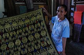Traditional sasak weaving.jpg