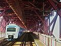 Travessia ferroviária na Ponte 25 de Abril.jpg