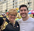 Trine Skei Grande og Grunde Almeland på London Pride.jpg