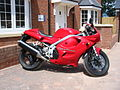 Triumph Daytona 955i model year 1999.jpg