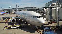 UAL Boeing 737-900ER at BDL June 2014
