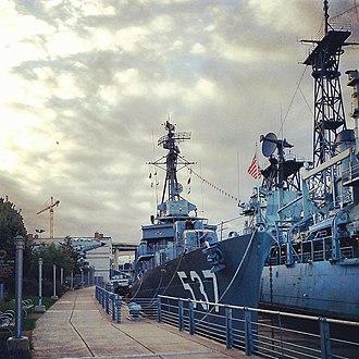 USS The Sullivans (DD-537) - Image: USS THE SULLIVANS (destroyer) 2013 09 22 07 37 32