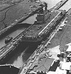 USS Tarawa (LHA-1) in Panama Canal lock in 1976.jpg