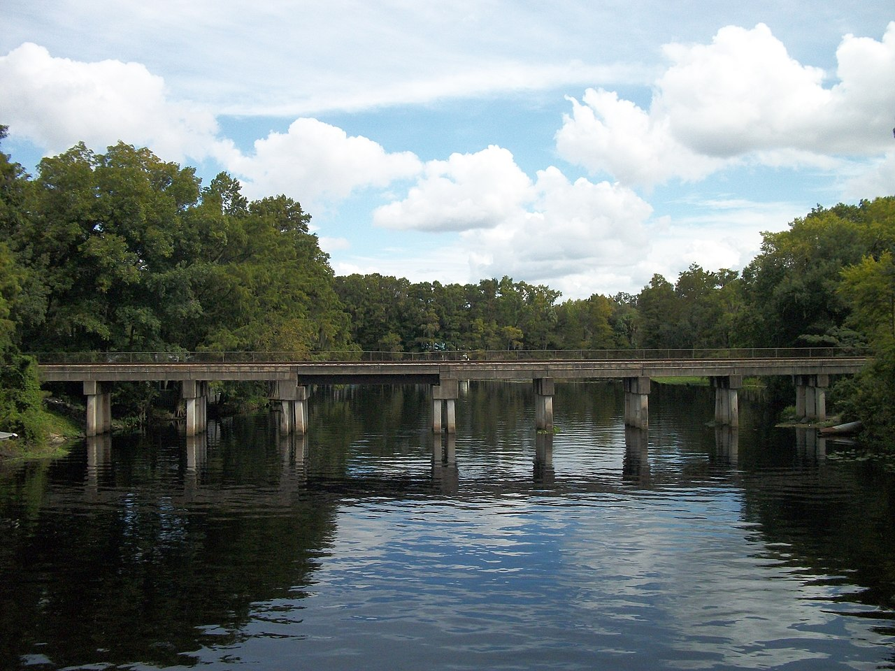 File:US 41 Withlacoochee River Bridge; View of CSX Bridge ...