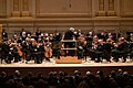Vienna Philharmonic Orchestra, Carnegie Hall, conducted by Michael Tilson Thomas (40346167543).jpg