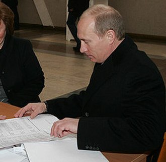 2008 Russian presidential election - Vladimir Putin voting in the election