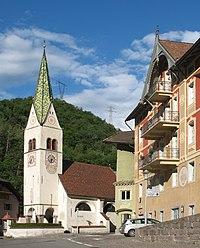 Waidbruck Pfarrkirche Haus Solderer.jpg