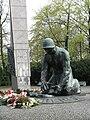 Warszawa pomnik Chwała Saperom 3.jpg