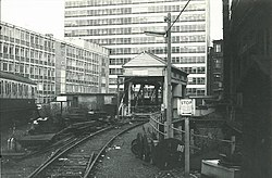 Waterloo Depot Armstrong lift (1984).jpg