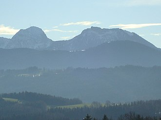 Wendelstein (mountain) - The Wendelstein (l) from the north. To its right is the Breitenstein.