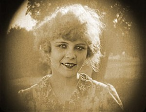 Winifred Westover - Winifred Westover in Love (1919)