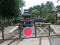 Whipsnade Central stn level crossing look east.JPG