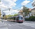Wien Tram (36848673094).jpg