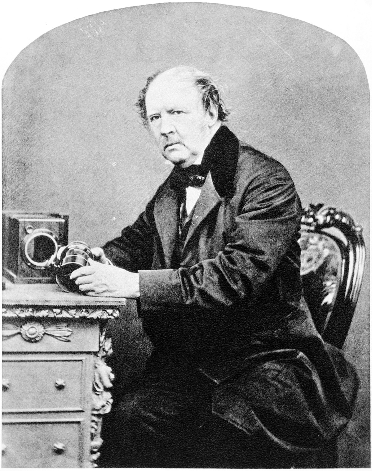 1200px-William_Henry_Fox_Talbot%2C_by_John_Moffat%2C_1864.jpg