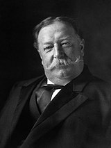 William Howard Taft, baş-omuz portresi, öne bakan.jpg
