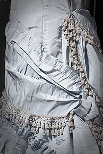 Woman's Dress LACMA M.2007.211.35 (3 of 7).jpg
